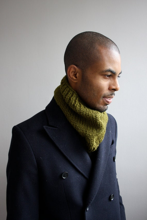 Items similar to Mens scarf, knit cowl for men on Etsy