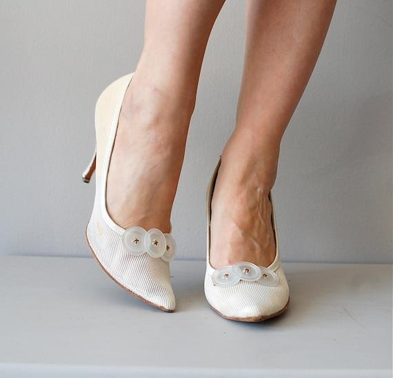 1960s heels / 60s shoes / Button Trio Stilettos