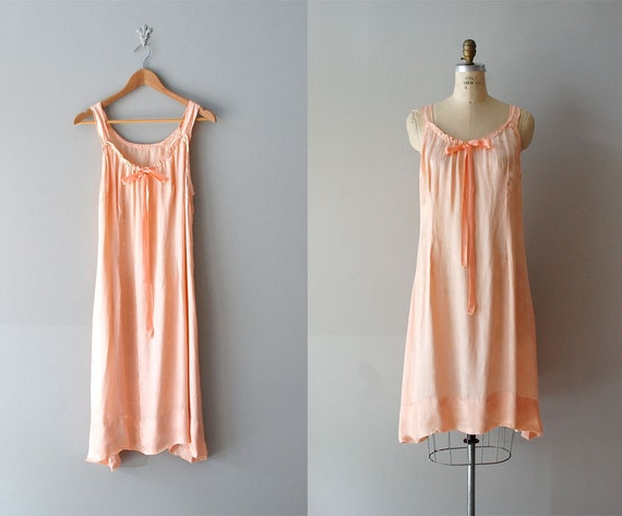 1920s lingerie / 20s clothing / flapper / Paper Moon nightgown