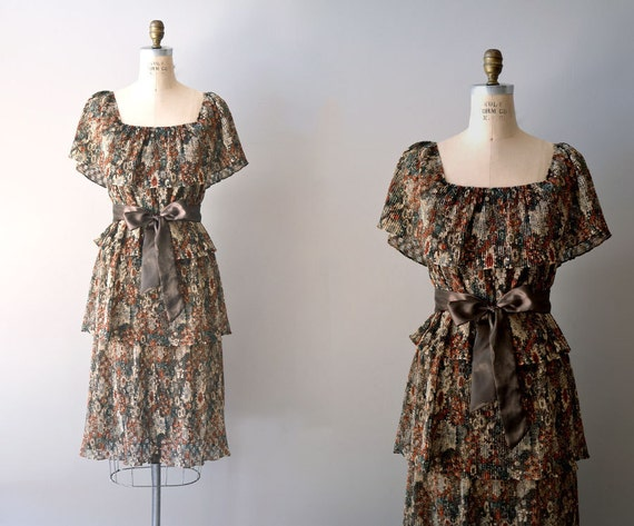 1970s dress / 70s floral dress / Fallow Flower dress