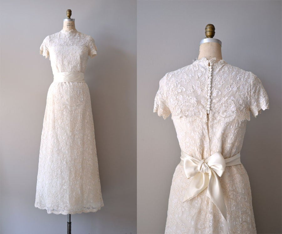 Vintage Lace Wedding Dress / 1960s Wedding Gown / By