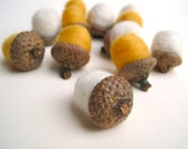 Birch Wool Acorns - Felted Acorns SET of 12 / White Gold Eco Friendly Rustic Home Decor for Autumn - Hostess Favours - SewnNatural