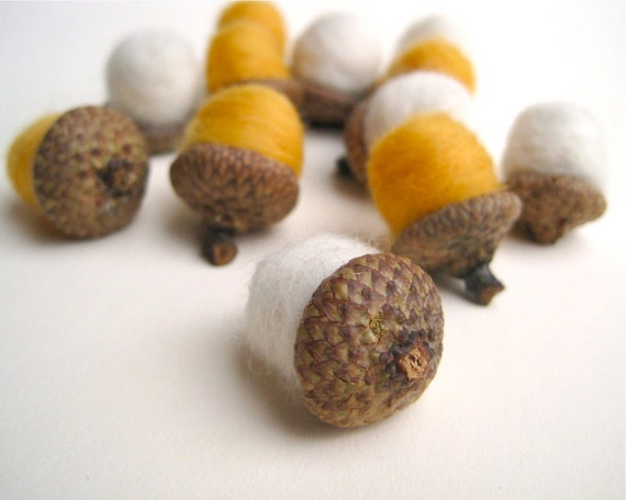 Birch Wool Acorns - Felted Acorns SET of 12 / White Gold Eco Friendly Rustic Home Decor for Autumn - Hostess Favours