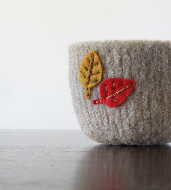 large felted bowl -beige with red and mustard felt leaves- autumn home decor, ring holder, jewelry holder, hostess gift,catch all, organizer