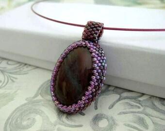 Agate Cabochon Pendant  / Beaded Pendant / Peyote Pendant / Seed Bead Pendant / Beadwork Pendant / Peyote Necklace / Agate Necklace