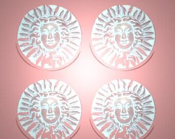 Vintage 2 White Washed Medussa Head 18MM Buttons FR8