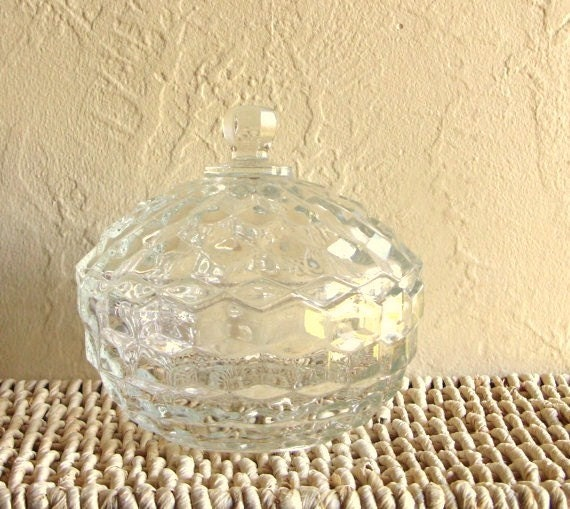 Beautiful Glass Candy Bowl Jar with Lid in Excellent Condition