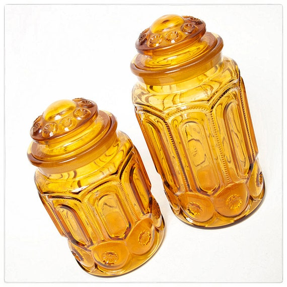 Two Vintage Amber Glass Apothecary Jars,  L E Smith Moon and Stars Canisters, vestiesteam