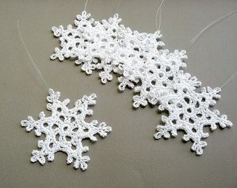 6 Crochet Christmas Ornaments -- Large Snowflake B90, in White