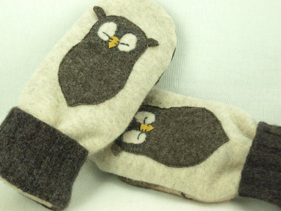 Mittens Felted Wool Recycled Sweater Natural White, Brown and Beige Owl Applique Leather Palm Fleece Lining Up Cycled Eco Friendly Size S/M