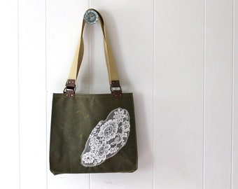 Waxed Canvas Tote Bag with Vintage Lace - Hunter Green
