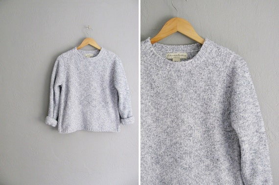 r e s e r v e d . AUTUMN STAPLE  / vintage '90s light grey & white FUZZY marled sweater. size s m.