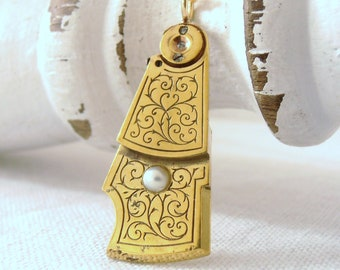 Vintage Steampunk Fusee Watch Pendant Pearl Necklace