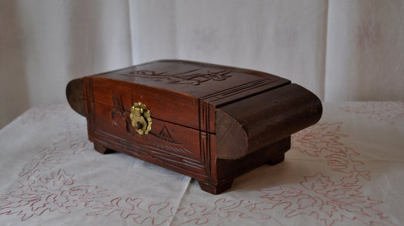 Japanese Art Deco Carved Vintage 1920s 30s Wooden Jewelry Box