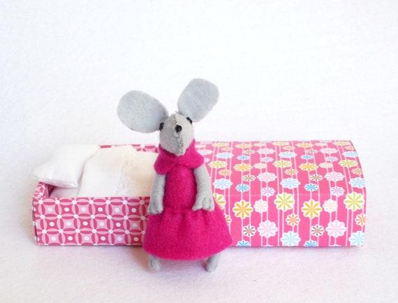 Pink Felt mouse in matchbox bed