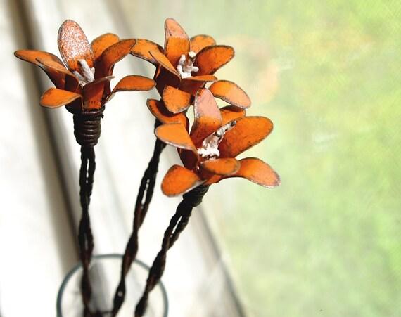 Pumpkin Orange Metal Flower Country Living Home Decor Antique Barbed Wire Cottage Stemmed 3d Small Lillie