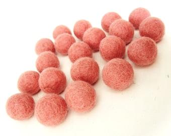 Felt Balls Peach - 20 Pure Wool Beads 20mm - Pink Peach Shade -   (W202)