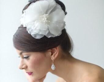 Wedding Hair Accessory, Bridal Headpiece, Silk Flower Hair Comb, Ivory Silk Floral Headpiece