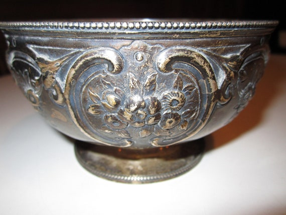 Antique 1895 Gorgeous Sterling Silver Chased Footed Bowl by Frederick Brasted of London