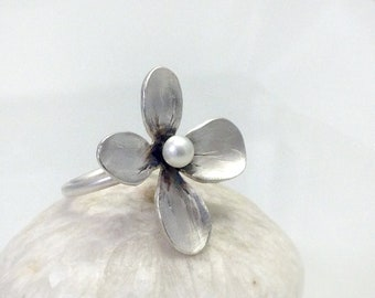 SMALL - Pearl Flower Ring in Sterling silver