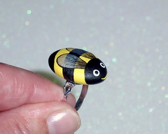 Spring summer gift ideas-gift under 25-bumble bee ring-ooak adjustable-painted pet rocks-best friend-coworker-bee keeper-gifts-black yellow