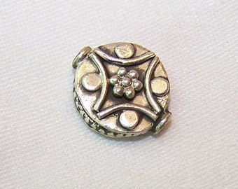 One Bali Bead 925 Sterling Silver Coin Shape