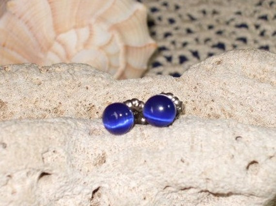 Cobalt Blue Fibre Optic Stud Earrings Earings Titanium Ear Post and Clutch Hypo Allergenic 6mm Round Cats Eye