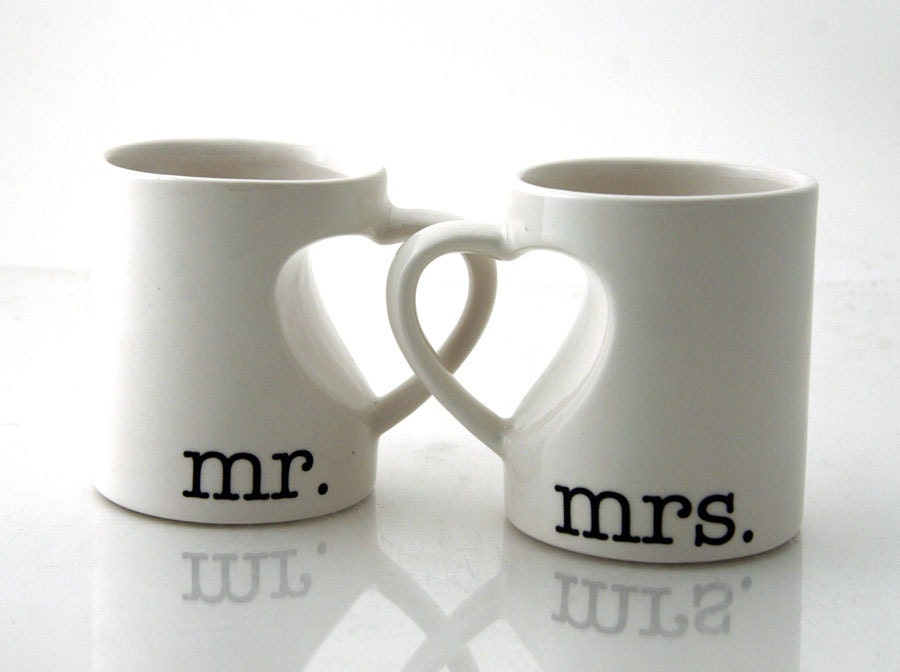 Wedding Anniversary Gifts For Couples: Mr & Mrs. Mug Set For Couples Bride And Groom Wedding