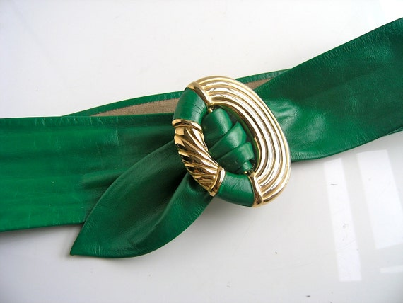 80s green leather belt with gold buckle - designer Leather Shop - Fall fashion - chunky width 32 waist