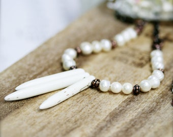 Mermaid trident necklace - howlite and freshwater pearls