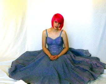 AMAZING AND LUSCIOUS Lavender Tulle and Lace 50s Prom Dress