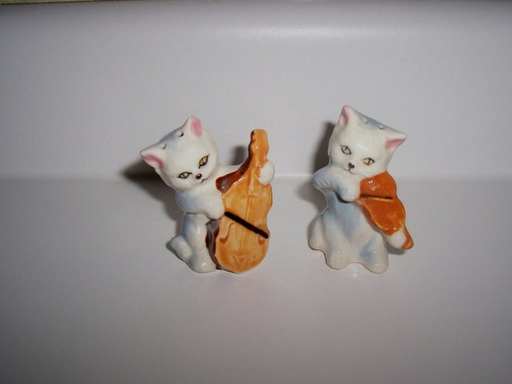 Cat and the Fiddle Salt and pepper shakers Kittens cat with violin and cello