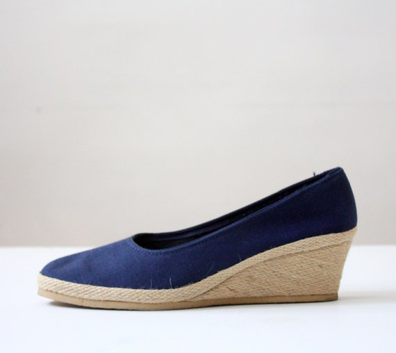 vintage navy canvas wedges - size 6 1/2