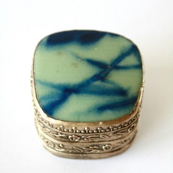 Beautiful Chinese Pottery Box