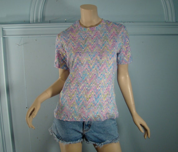 Pastel Zig Zag Top- 1970's Knit Blouse in Sketchy Chevron Stripes-- Short Sleeves