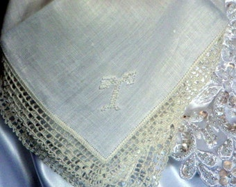 """Bridal hankie Monogrammed """"T"""" Crochet Lace Edging. Very good  Condition."""
