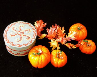 1/12 Scale (Dollhouse) A Pair of Loose Orange Pumpkins for Halloween, Indoor Fairy Gardens and Autumn Decor