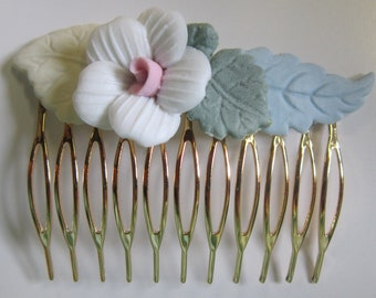 Vintage Gold Tone Hair Comb with Pastel Ceramic Flowers (White Flower with Pink Center)
