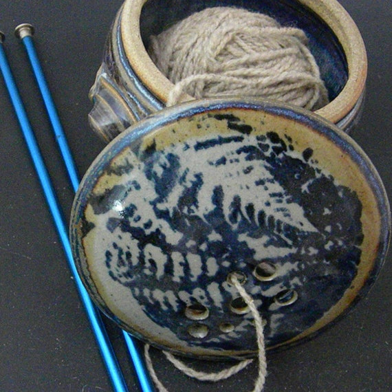 Kitty-Proof Yarn Ball Bowl With Cover Fiddlehead Fern Design