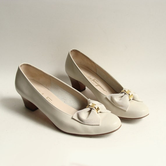 ferragamo heels shoes 7 white leather by