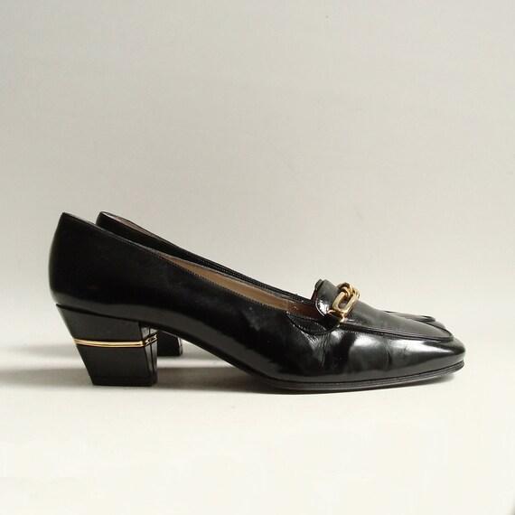shoes 6 / Bruno Magli heels / black leather heels / gold chain loafer pumps / shoes size 6 / vintage shoes