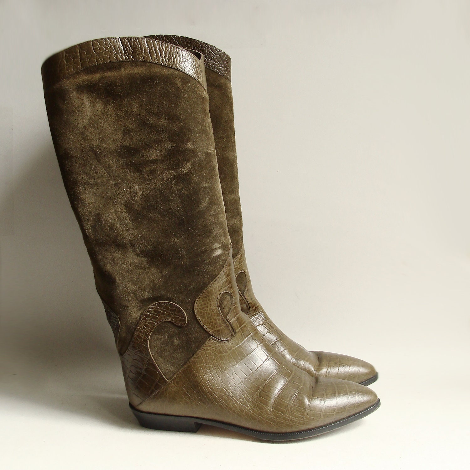 boots 8 olive green boots 80s 1980s boots suede