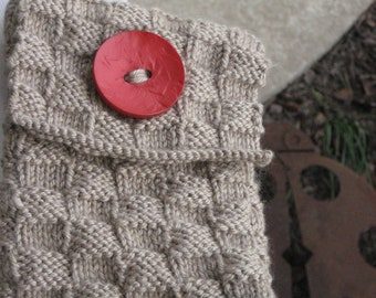 Knitted Kindle or Nook Cover Bag Pouch Beige with Red Button Buttonhole Closure