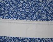 Vintage   Little White Roses on Navy blue flat double full sheet