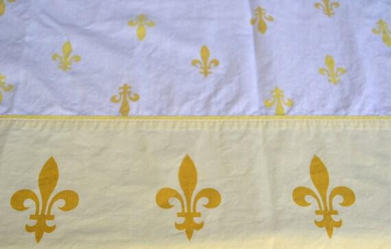 Vintage Bed Sheet - Yellow Fleur De Lys - All Cotton Twin Flat