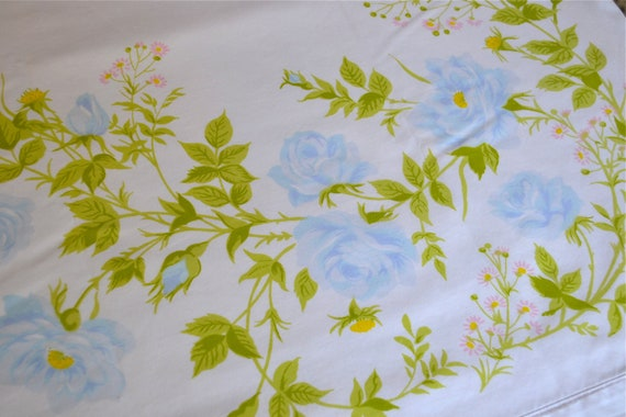 Vintage Bed Sheet - Blue Roses - Twin Flat