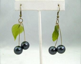 Black Cherry earrings, beaded bing cherry drop earrings, rockabilly retro, pearl black