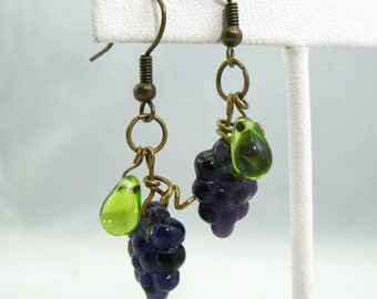 Grape cluster earrings, purple grapes, wine grapes