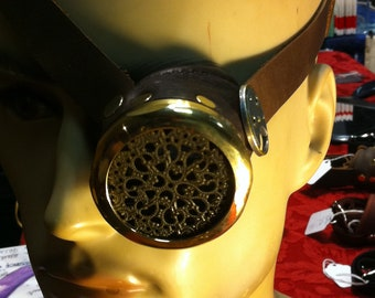 Steampunk monocle or monogoggle with filigree