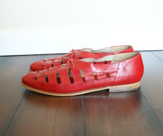 size 10 women's red leather cut out oxford shoes. made in italy.